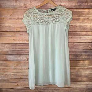 Light and flowey lace top dress